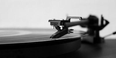 Najlepšie gramofóny 2019 – Test, recenzie a porovnanie