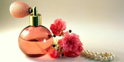 Najlepšie parfumy pre ženy a mužov – tipy pre rok 2019