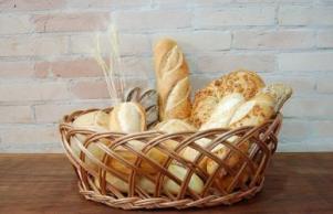 Chlebník je pro pečivo správny