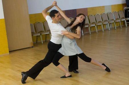 Kurz spoločenských tancov